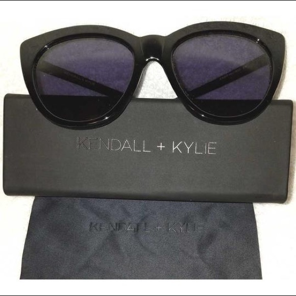 17cec233c7 Kendall   Kylie Accessories - Brand New Kendall + Kylie Sunglasses